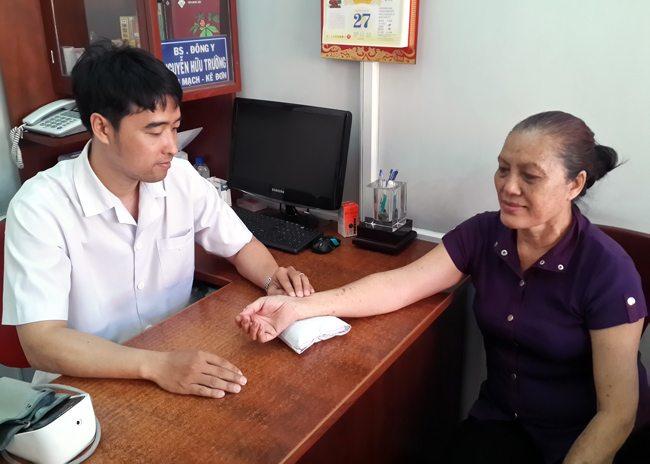 Yêu nghề và tận tâm với bệnh nhân luôn là nỗ lực của tôi và đội ngũ lương y, bác sĩ tại phòng khám Y Tâm Đường.